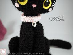 """En elEspecial Halloween 2016de Tarturumiesnos complace presentar a nuestraadorable """"Misha""""!!!🎃 En la historia deHalloween, el gato negro"""