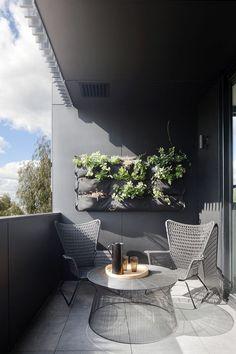 platzsparende moebel kleinen balkon gestalten grau