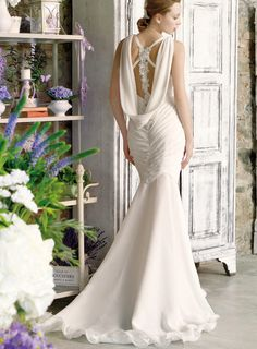 Always romantic, glamorous, daring and eye-catching, the latest bridal collection of Eme di Eme wedding dresses doesn't disappoint. Take a look!