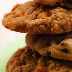 Recipe for Butterscotch Oatmeal Cookies from the diabetic recipe archive at Diabetic Gourmet Magazine,. Recipe for Butterscotch Oatmeal Cookies from our Dessert recipe section. Nutritional info for diabetes meal planning. Diabetic Cookie Recipes, Diabetic Meal Plan, Oatmeal Cookie Recipes, Diabetic Desserts, Sugar Free Desserts, Sugar Free Recipes, Low Carb Recipes, Dessert Recipes, Cooking Recipes