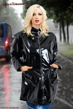Girls in Rainwear 7 Vinyl Raincoat, Pvc Raincoat, Imper Pvc, Black Raincoat, Vinyl Clothing, Leather High Heel Boots, Rubber Raincoats, Yellow Coat, Future Clothes