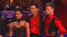 The DWTS Pro on the right has the haircut I'm wanting to get.