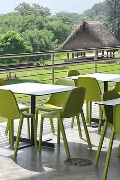 Green chairs and a look at 6 brands with sustainable design.