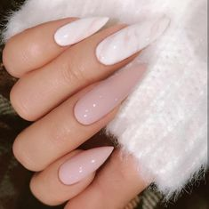 32 Fotos von Super trendy Nägeln 2019 - Beste Trend Mode - New Ideas Long Stiletto Nails, Long Nails, Manicure, Gel Nails, Acrylic Nails, Clear Nails, Coffin Nails, Nail Polish, Uñas Color Neon