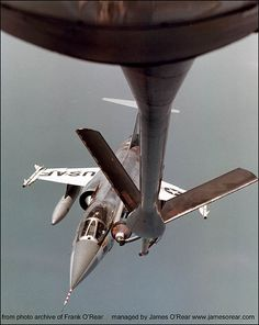 Rare photo of F-104 refueling from KC-135. Frank O'Rear archives.