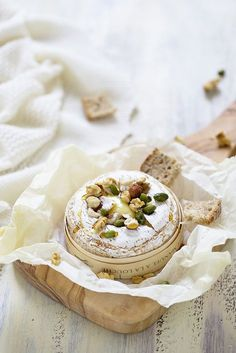Camembert rti au four pour lapro lheure du fromage un No Salt Recipes, Wine Recipes, Great Recipes, Cooking Recipes, Food For Eyes, Recipe Sites, Wine Cheese, French Food, Appetisers