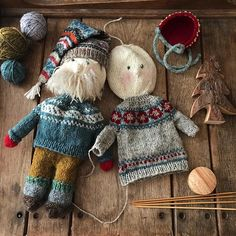 sven showed unwavering support, even though he loved the 🌲he agreed wholeheartedly that solveig's second… Knitted Dolls, Crochet Toys, Knit Crochet, Knit Cowl, Hand Crochet, Knitting Projects, Knitting Patterns, Scarf Patterns, Knitting Tutorials