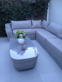 Ons lounge bank, laat de zomer maar komen!