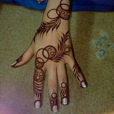 henna artist?