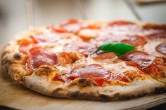 Receita simples, fácil e rápida de Massa de Pizza sem Glúten e sem Lactose para fazer no liquidificador! Uma receita perfeita de pizza para celíacos!