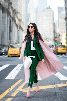 Color Story – Fall Outfits in Pink and Green Green Suit, Pink Suit, Pink And Green Dress, Wendy's Lookbook, All Black Looks, Power Dressing, Business Outfit, All Black Outfit, Colourful Outfits