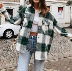 Plaid Shirt Outfits, Cute Casual Outfits, Cute Flannel Outfits, Checkered Shirt Outfit, Plaid Shirt Women, Jacket Outfit, Plaid Jacket, Shirt Jacket, Flannel Coat
