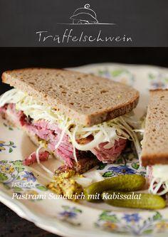 Pastrami Sandwich mit Kabissalat