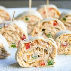 This easy Mexican Pinwheels Recipe is a party favorite that's full of bright, bold flavors you'll crave!Your guests will ask for seconds and thirds! Pinwheel Appetizers, Pinwheel Recipes, Appetizers For Party, Appetizer Recipes, Mexican Food Appetizers, Mushroom Appetizers, Parties Food, Brunch Recipes, Mexican Dinner Recipes