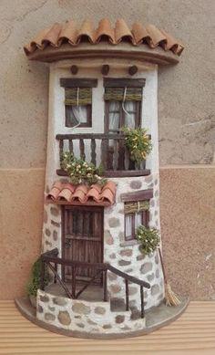 dekorierte Fliesen - New Sites Clay Houses, Ceramic Houses, Miniature Houses, Miniature Fairy Gardens, Diy Crafts Slime, Tile Crafts, Clay Crafts, Clay Fairy House, Fairy Garden Houses