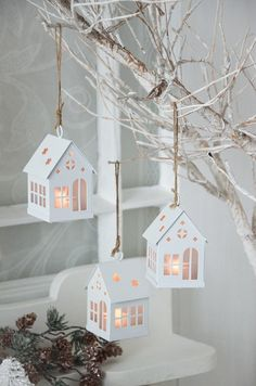 XS Lighthouses Pendants Christmas Lights Set 3 Pieces Shabby Chic Christmas … - Home Page Shabby Chic Christmas, Farmhouse Christmas Decor, Rustic Christmas, Simple Christmas, Christmas Home, Christmas Lights, Christmas Crafts, Christmas Ornaments, Christmas Candy Cane Decorations