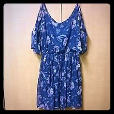 Blue Floral Cold Shoulder Dress Great dress for Spring and Summer. Lightweight, easy to wear. Blue floral print. Exposed cold shoulder style with mid sleeve. Great length, not too short, lined. Hollister Dresses