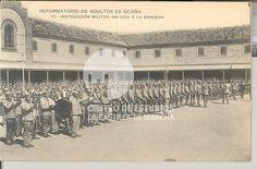 Instrucción militar, saludo a la bandera by Centro de Estudios de Castilla-La Mancha (UCLM), via Flickr
