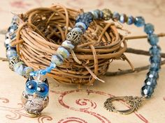 Hoos Watching Necklace ~ Free design from Artbeads Learning Center!