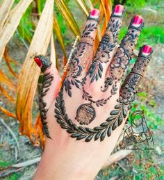 Pakistani Henna Designs, Arabic Bridal Mehndi Designs, Finger Henna Designs, Mehndi Designs 2018, Modern Mehndi Designs, Mehndi Designs For Fingers, Henna Tattoo Designs, Mahndi Design, Latest Henna Designs