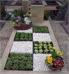 Garden Landscaping 100 Beautiful DIY Pots And Container Gardening Ideas - 100 Beautiful DIY Pots And Container Gardening Ideas Gravel Garden, Garden Pots, Balcony Garden, Concrete Garden, Garden Edging, Garden Bed, Edible Garden, Herb Garden, Pot Jardin