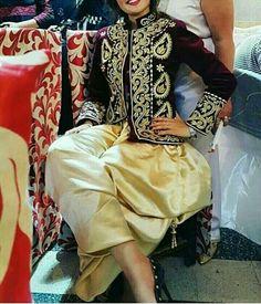 #karakou  #TraditionalCostumeOfAlgeria #jewelry #الملحفة_الشاوية + #الحلي_الجزائري التقليدي.   #الجزائر #مصر #فلسطين #سوريا #السعودية #الكويت #البحرين #قطر #العراق #عبايات #دراعات #فستان #فستان_سهرة #موضه #Dress #TraditionalAlgerianDresses #AlgerianFashion #FashionDesign #Style #Mode #Algeria #Algerie #Kabyle #Kabylie #Amazigh #Arab #3arab #Arabe #karakoualgerois #Algiers #Alger