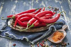 Cómo cultivar chiles picantes dentro de casa | eHow en Español