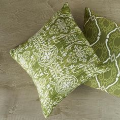 A combinação de estampas em tons de verdes é chic e despojada!