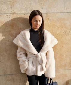 ⋆⋰⋘Lọȗıṡå⋙⋱⋆ Sungjae And Joy, Aesthetic Look, Street Style, Celebrity Couples, Asian Beauty, Korean Fashion, Asian Girl, Hot Girls, Fur Coat