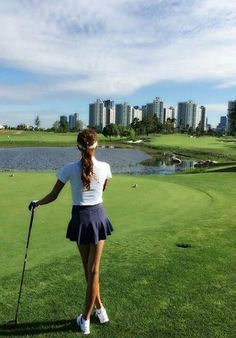 Expert Golf Tips For Beginners Of The Game. Golf is enjoyed by many worldwide, and it is not a sport that is limited to one particular age group. Not many things can beat being out on a golf course o Golf Sport, Golf 6, Play Golf, Disc Golf, Golf Fotografie, Cute Golf Outfit, Girl Golf Outfit, Golf Handicap, Golf Exercises