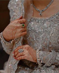 Asian Bridal Dresses, Bridal Outfits, Pakistani Wedding Dresses, Pakistani Dress Design, Pakistani Mehndi Designs, Nikkah Dress, Bridal Mehndi, Indian Bridal, Mehendi