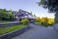 1 bedroom apartment w/ a large den in West Vancouver-Dundarave   1 bedroom   North Shore   Kijiji Mobile