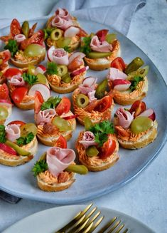 Mini Appetizers, Appetizer Recipes, Lunch Recipes, Cooking Recipes, Healthy Recipes, Delicious Breakfast Recipes, Yummy Food, Food Carving, Salty Foods