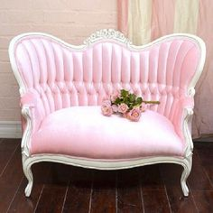 32 Ideas Shabby Chic Pink Furniture Couch For 2019 Victorian Chair, Victorian Furniture, Vintage Furniture, Pink Furniture, Shabby Chic Furniture, Furniture Dolly, Furniture Stores, Bedroom Furniture, Furniture Design