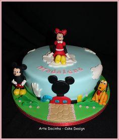 Bolo Mickey e seu amigos
