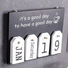 50 Creative DIY Calendar From Wooden Design Ideas - Holz Design Diy Kalender, Kalender Design, Wooden Decor, Wooden Diy, Wooden Signs, Creative Calendar, Calendar Ideas, Wooden Calendar, Ideias Diy