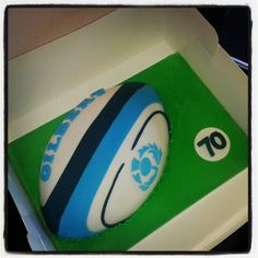 Huge thanks to LK at Sweet Tooth Cakery for this amazing rugby cake.