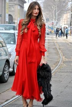 [Lady in Red] Fashion Week Fall 2013 Style Red Fashion, Fashion Models, Womens Fashion, Fashion Trends, Latest Fashion, Fashion Details, Fashion Boots, Street Fashion, Vintage Fashion