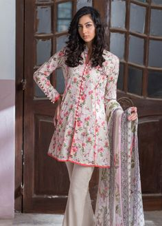 Buy Malhar Lawn Printed Bamboo Summer 2019 Collection Printed Lawn Unstitched 3 Piece Suit from Sanaulla Store - Original Products. Girls Dresses Sewing, Stylish Dresses For Girls, Simple Dresses, Casual Dresses, Stylish Dress Book, Short Dresses, Simple Pakistani Dresses, Pakistani Fashion Casual, Pakistani Dress Design