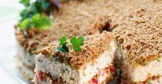 Suvun suosikkivoileipäkakku on nimensä mukaisesti superherkullinen! Tässä voileipäkakussa leipäkerros onkin rouheaa murua. Mehevän täytteen maun salaisuus piile