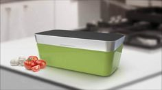 VacuVita, enjoy Fresh Food every day! See the full video, join the campaign and start enjoying Fresh Food, everyday! Food Out, Safe Food, New Kitchen Gadgets, Food Storage Boxes, Clever Design, Learn To Cook, Cooking Tools, Unique Recipes, Ways To Save