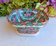 Vintage Chinese Rose Medallion Porcelain Bowl #1