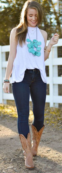 perfect for a country concert! love the turquoise necklace