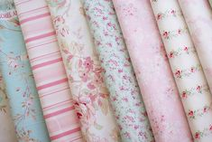 Excellent Images Shabby Chic wallpaper Tips Along with pattern programmes which favor neutrals, it usually is an easy task to wish to include bursts rega Tela Shabby Chic, Shabby Chic Stoff, Shabby Chic Quilts, Cocina Shabby Chic, Shabby Chic Mode, Estilo Shabby Chic, Shabby Chic Fabric, Shabby Fabrics, Shabby Chic Pink