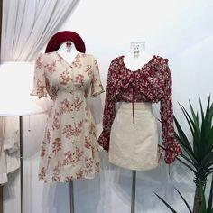 แฟชั่นสไตล์เกาหลี ต้อนรับฤดูใบไม้ร่วง สายเกาต้องเลิฟ Bell Sleeves, Bell Sleeve Top, Ulzzang Fashion, Tunic Tops, Fashion Sets, Korea, Dresses, Style, Vestidos