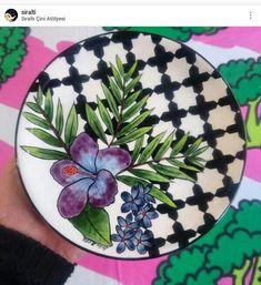 Slab Pottery, Glazes For Pottery, Ceramic Pottery, Pottery Painting, Ceramic Painting, Ceramic Art, Hand Painted Dishes, Hand Painted Ceramics, Smoothie Vert