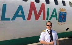 O piloto boliviano Miguel Quiroga, que comandava o avião da companhia aérea LaMia, que caiu na última terça-feira em viagem que levaria a delegação da Chapecoense à Colômbia, matando 71 pessoas, estava sendo processado na Bolívia e tinha ordem de prisão decretada por ter deixado a Força Aérea.