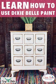 Diy Furniture Repair, Chalk Paint Furniture, Repurposed Furniture, Furniture Makeover, Dresser Makeovers, Furniture Design, Paint Companies, Dixie Belle Paint, Stencil Diy
