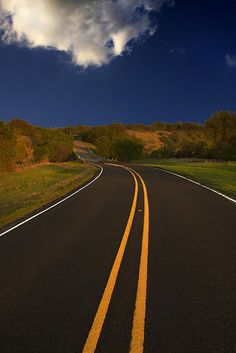 tulipnight:  Bosque County Highway by J u n g a on Flickr.