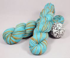 New to UndercoverOtterYarn on Etsy: Terror Tentacles: Teal and Orange / Baby Alpaca Hand Dyed Yarn. 1 skein 100 grams 3.5 oz. (22.50 EUR)